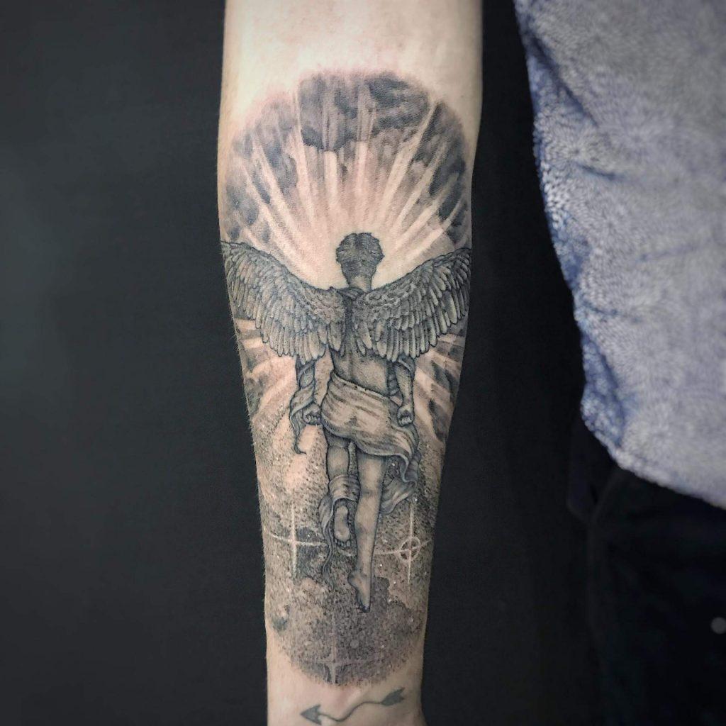 Tatuagem de anjo realista do Márcio Valle